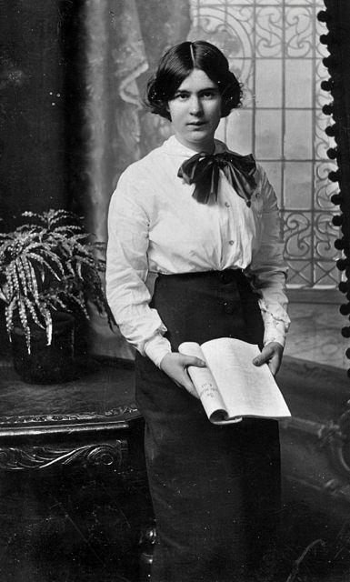Winifred May Bailey nee Bowen. (1894-1990)