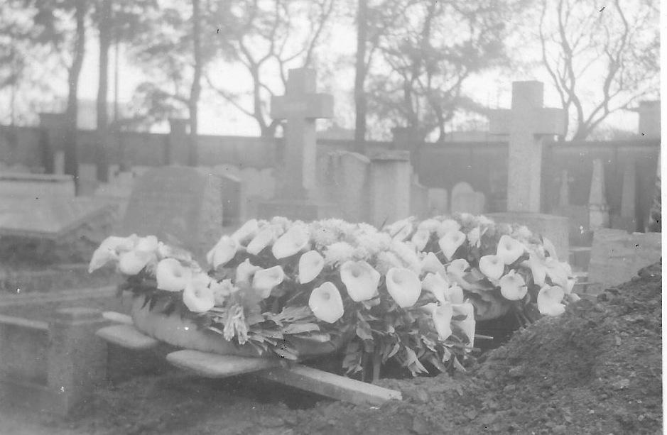 Thomas Martin, graveside. 1951