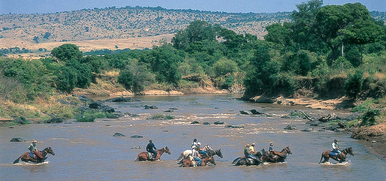 Mobile Riding Safaris   ...following famous wildebeest migration routes