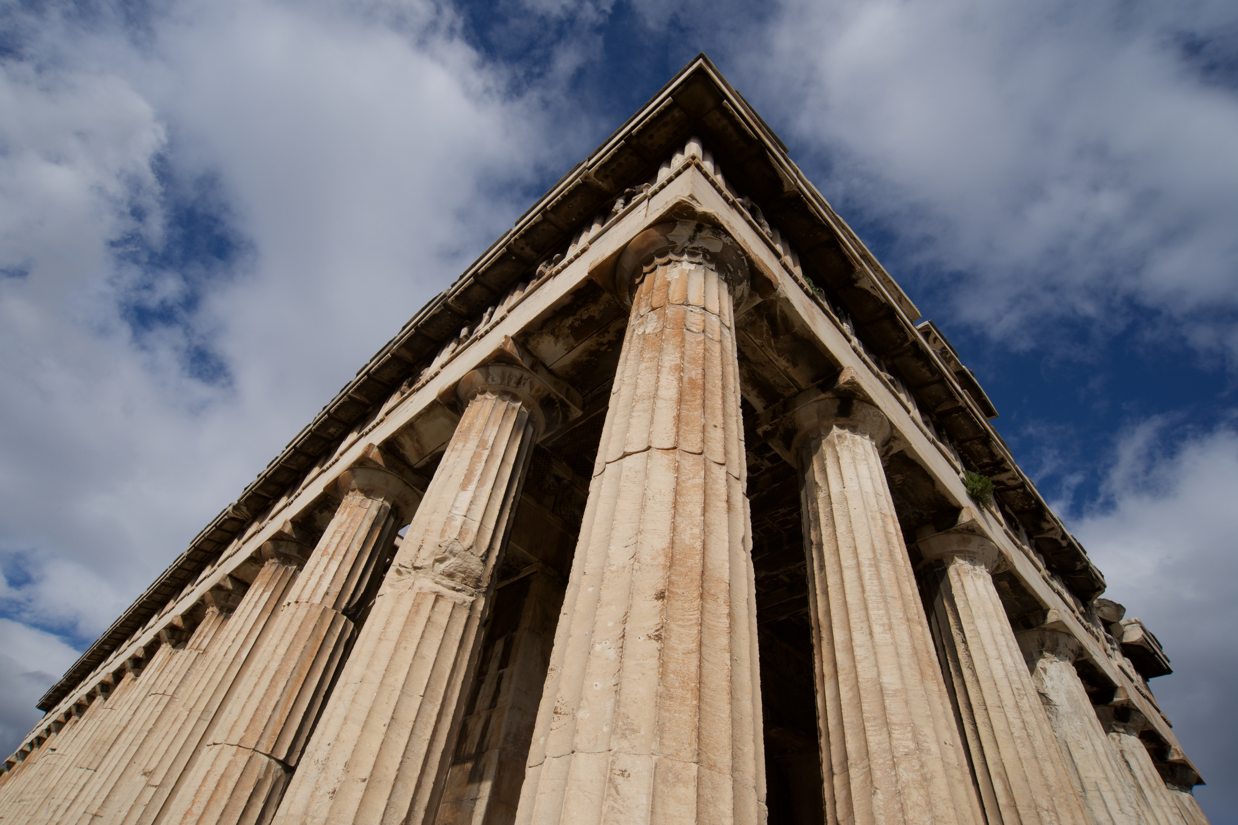 Colonnade and roof of Temple of Hephaistos.jpg