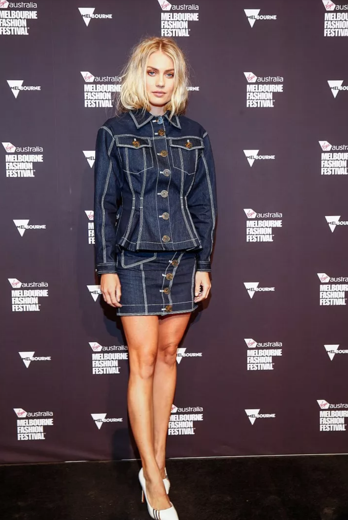 ELYSE KNOWLES WHO MAGAZINE 2019.png