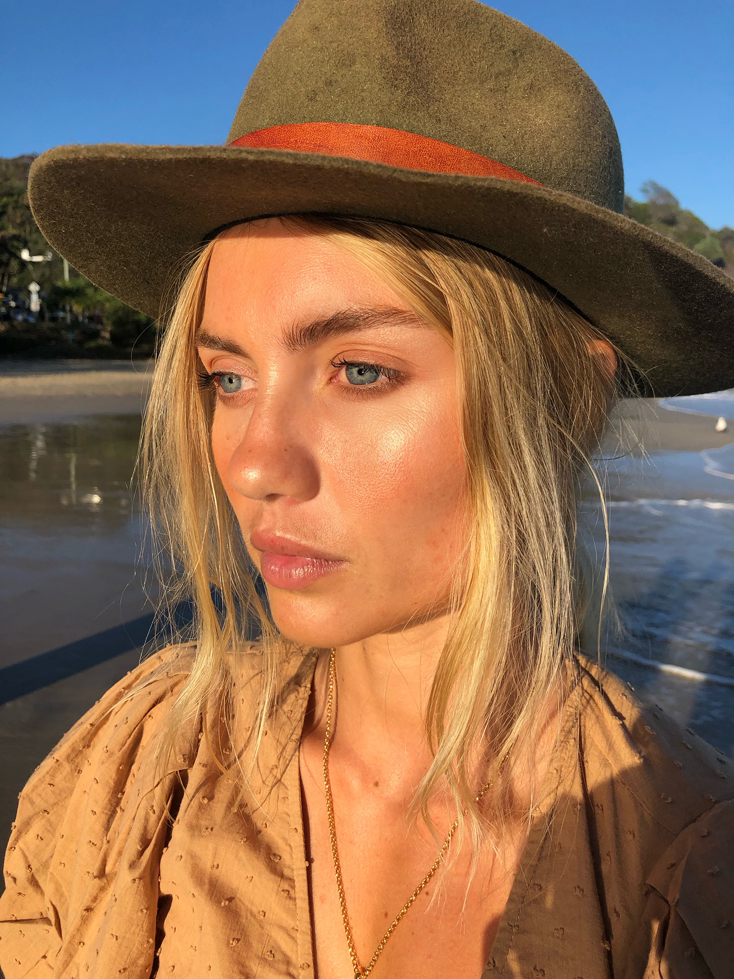 Elyse Knowles Byron Bay 2019 0.JPG