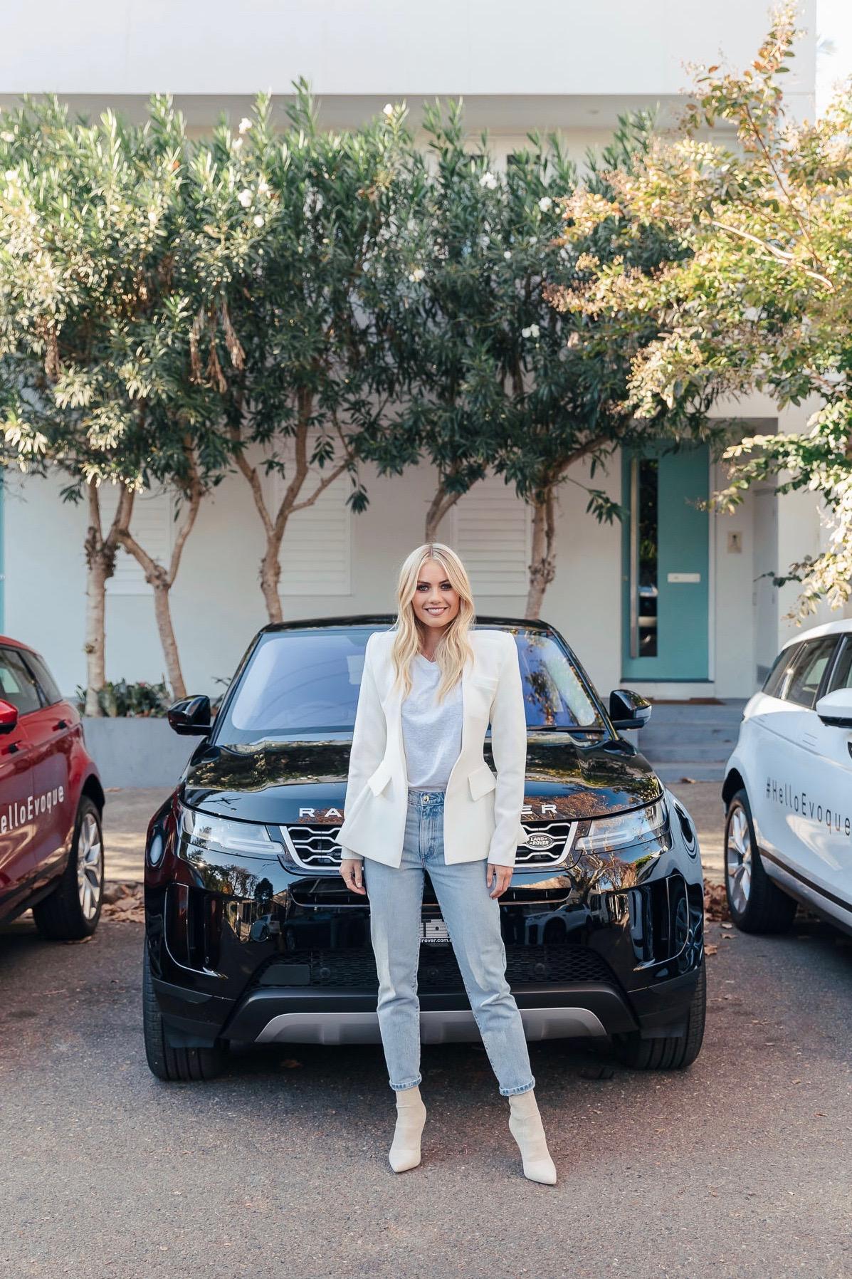ELYSE KNOWLES RANGE ROVER EVOQUE 2019 7.JPG