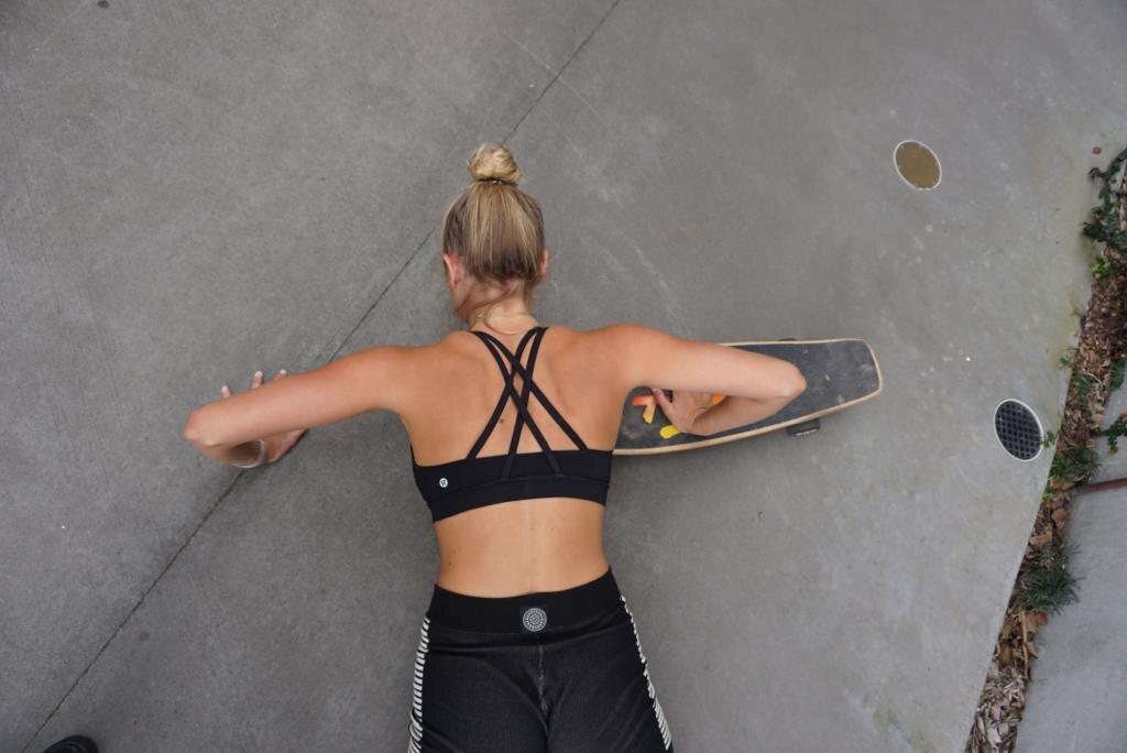 Elyse Knowles Skateboard Workout 2019 22.jpg