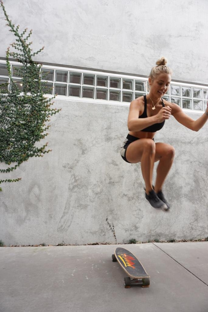 Elyse Knowles Skateboard Workout 2019 12.jpg