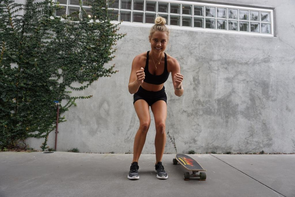 Elyse Knowles Skateboard Workout 2019 13.jpg