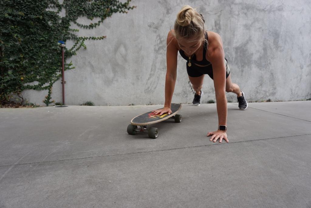 Elyse Knowles Skateboard Workout 2019 7.jpg