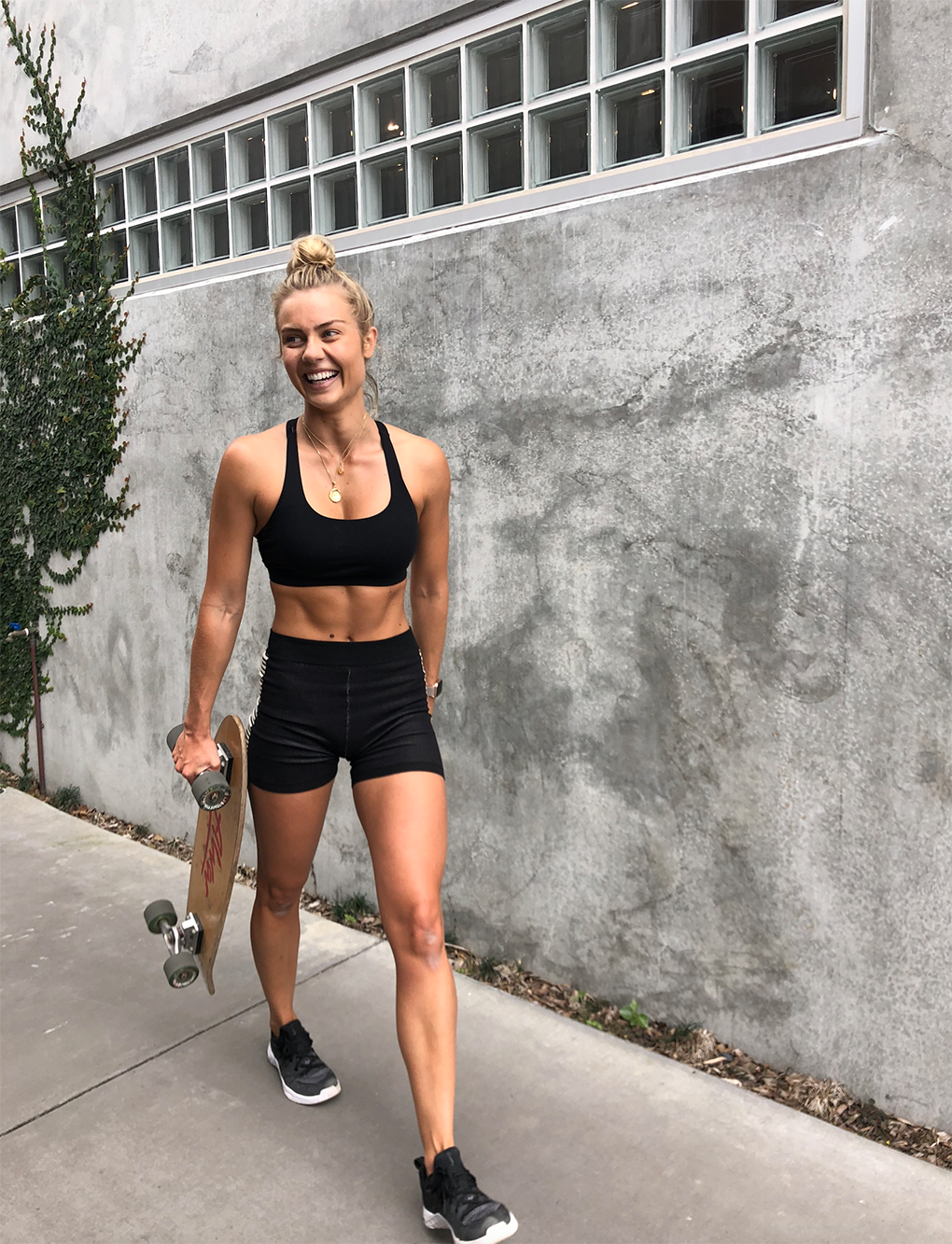 ELYSE KNOWLES SKATEBOARD WORKOUT OCT 2019 0.png