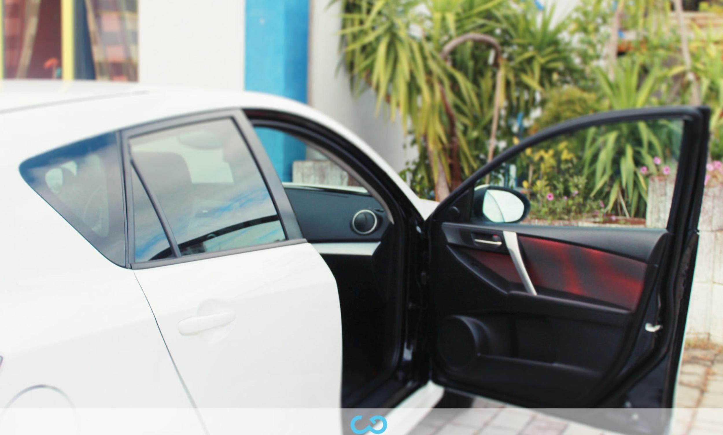 autofolierung-car-wrapping-2-vollfolierung-mazda-weiss-2012-10-07-1.jpg