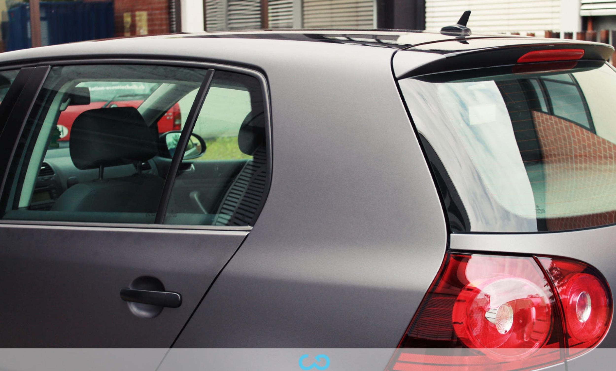 autofolierung-car-wrapping-5-teilfolierung-dach-schwarz-vw-golf-silber-2013-01-031.jpg
