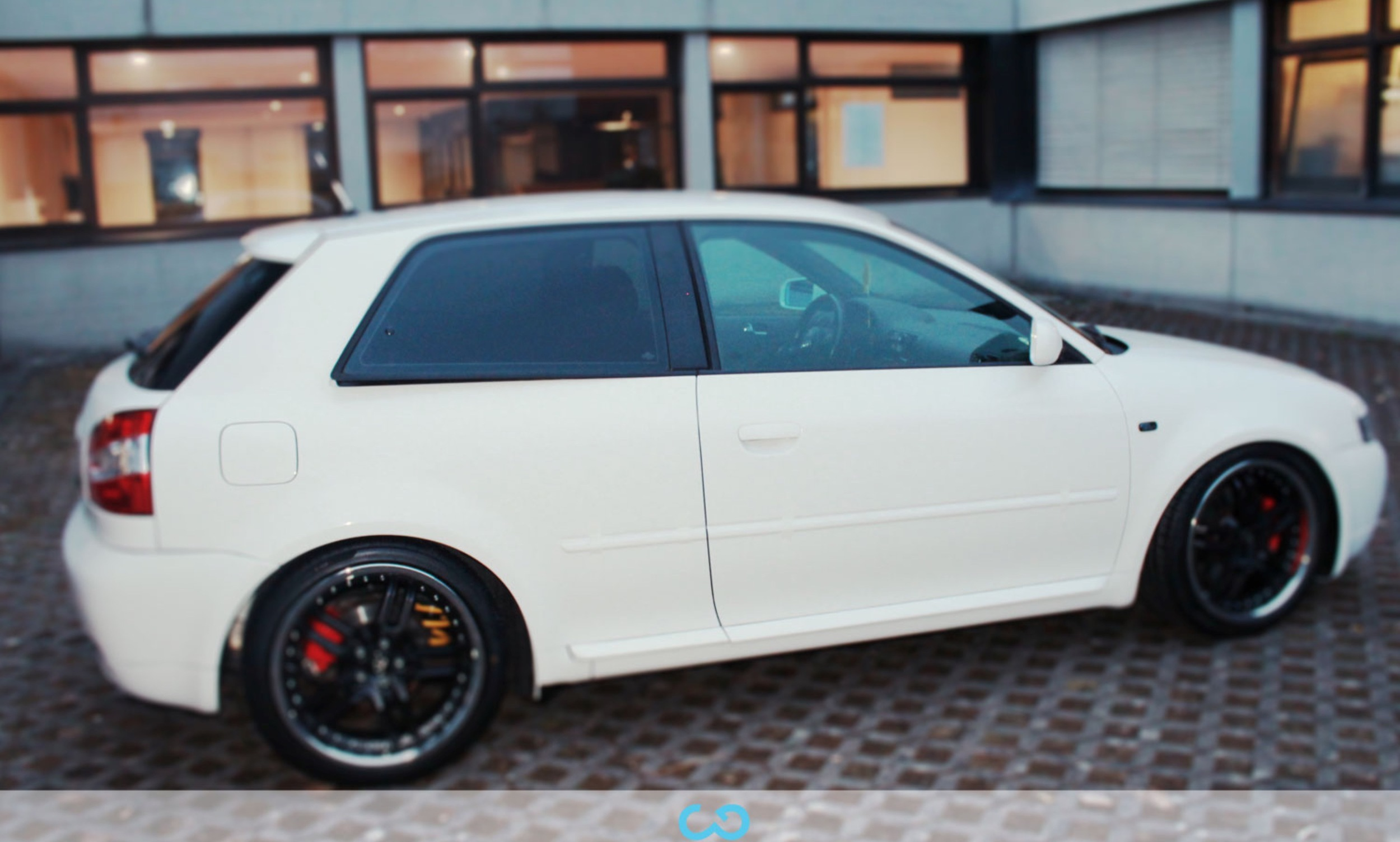 autofolierung-car-wrapping-7-vollfolierung-weiss-glanz-audi-a3-reihe-2013-04-05-3.jpg
