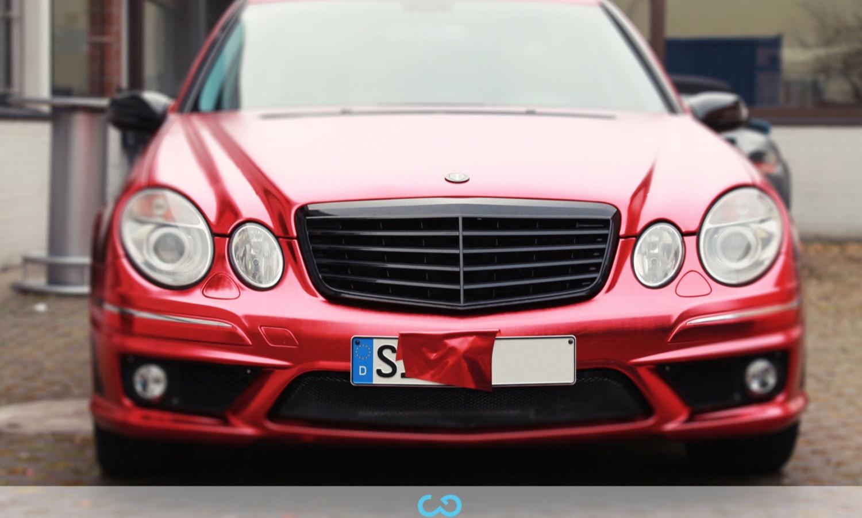 autofolierung-car-wrapping-9-vollfolierung-metall-geb#U00fcrstet-rot-chrom-mercedes-e-reihe-2013-12-14-3.jpg
