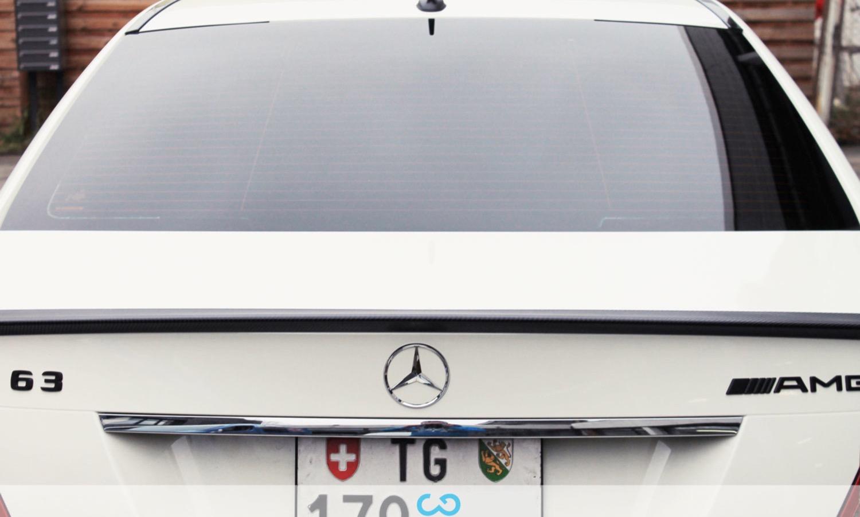 autofolierung-car-wrapping-12-teilfolierung-carbon-motorhaub-frontlippe-seitenspiegel-spoiler-mercedes-c-reihe-2014-01-18-9.jpg