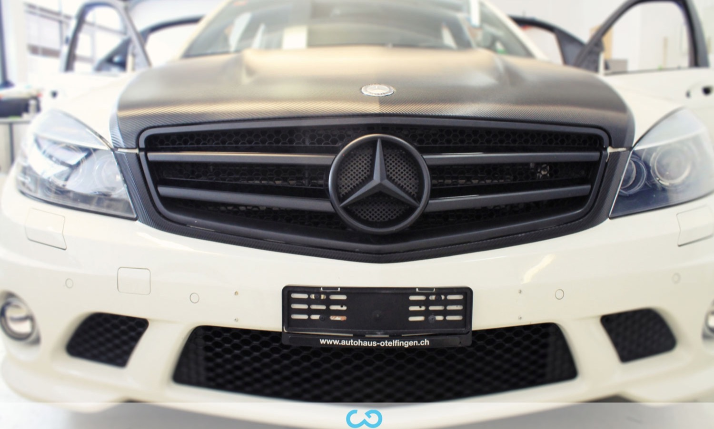 autofolierung-car-wrapping-17-teilfolierung-mercedes-amg-c63-carbon-2014-04-10-5.jpg