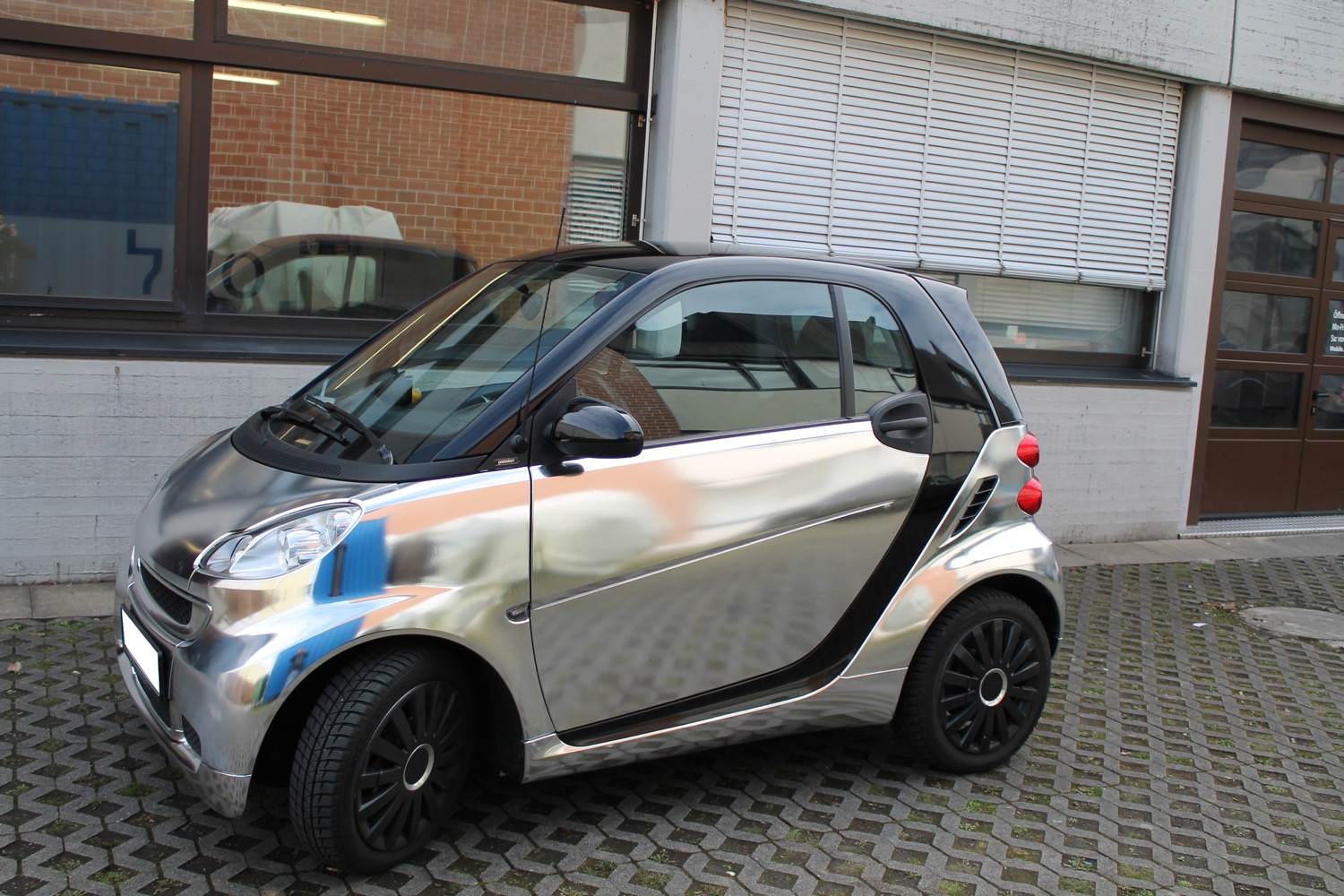 2015-04-04-car-wrapping-smart-12.jpg