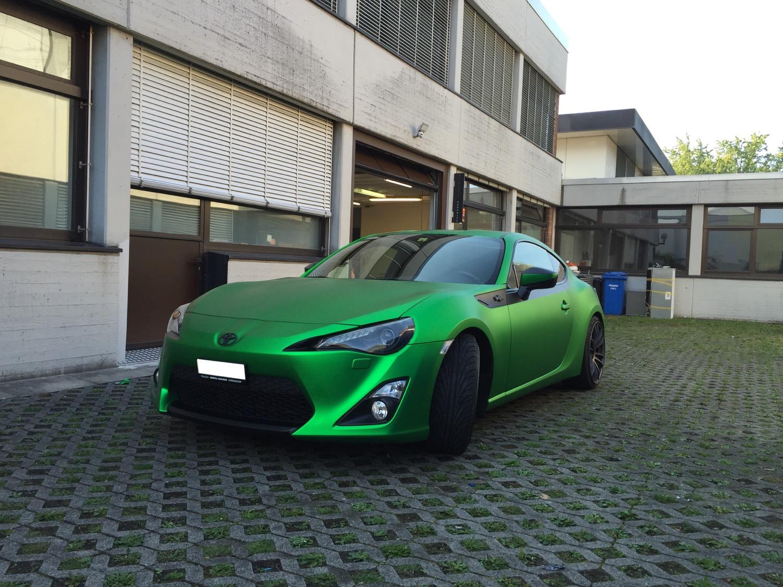 2015-09-12-car-wrapping-mazda-1.jpg