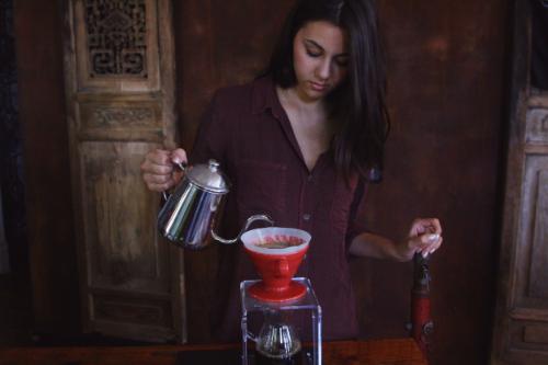 Barista making an amazing Yemen coffee at Sump
