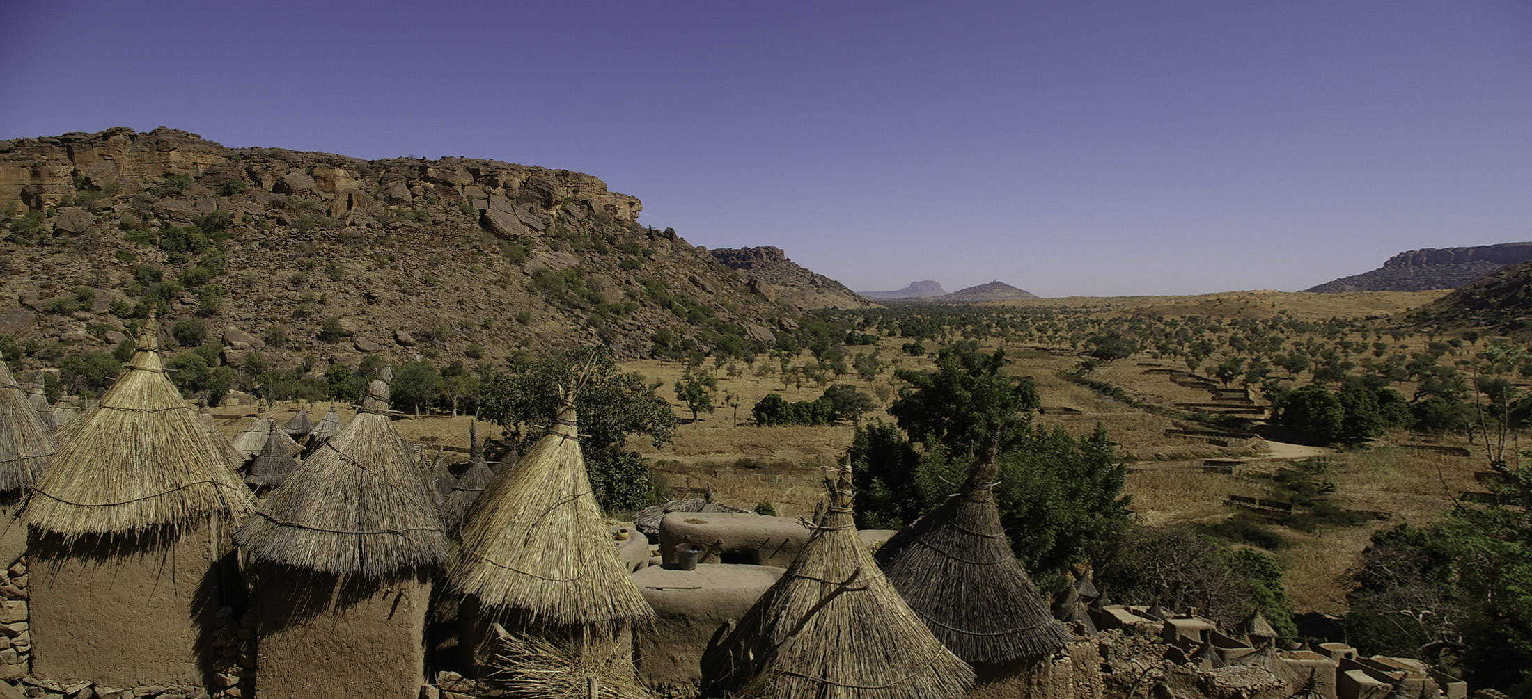 Bandager cliff and Dogon village