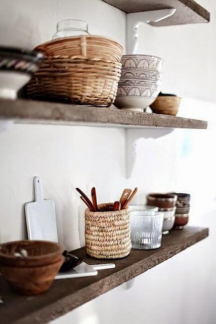 baskets+on+open+shelving+in+kitchen.jpg