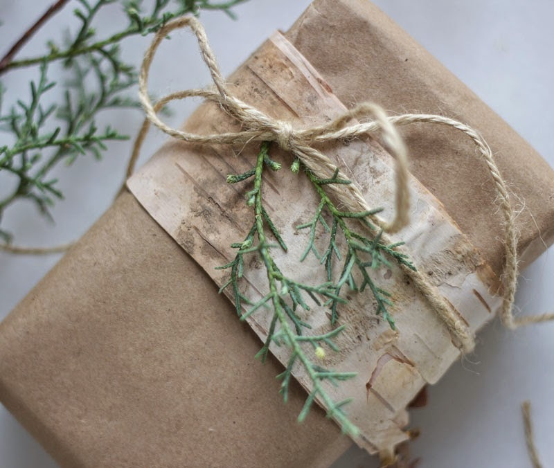 simple, natural, eco-friendly gift wrap alternatives