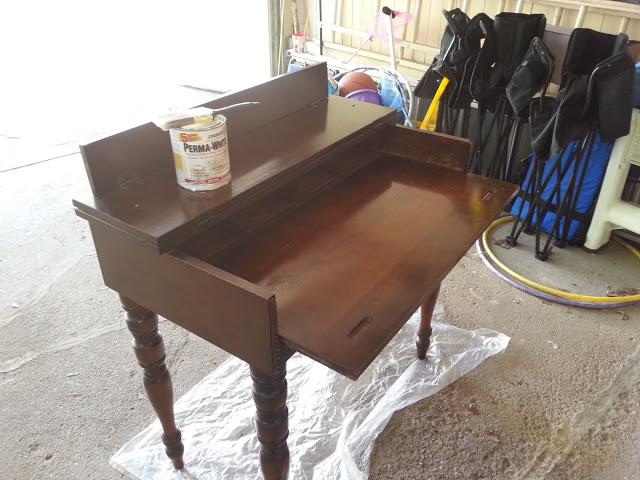 antique+desk.jpg