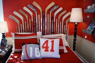 hockey+stick+headboard+via+nestfullofeggs.jpg