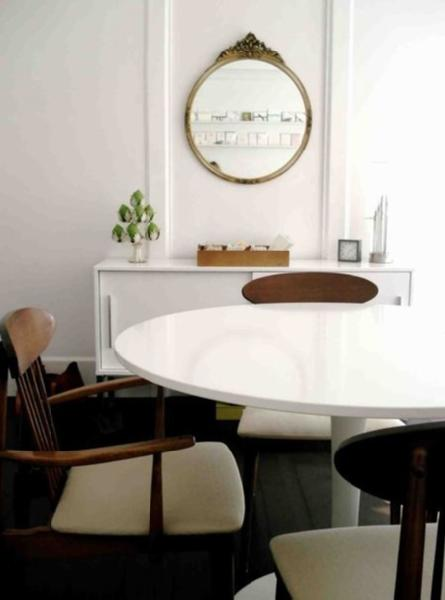 tulip+table+with+vintage+chairs.jpg