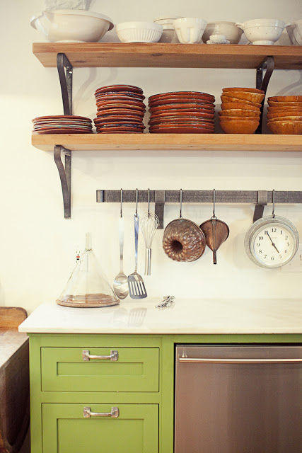rustic+kitchen+open+shelving.jpg