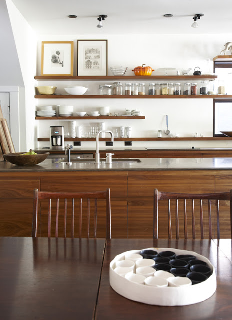contemporary+open+kitchen+shelving.jpg