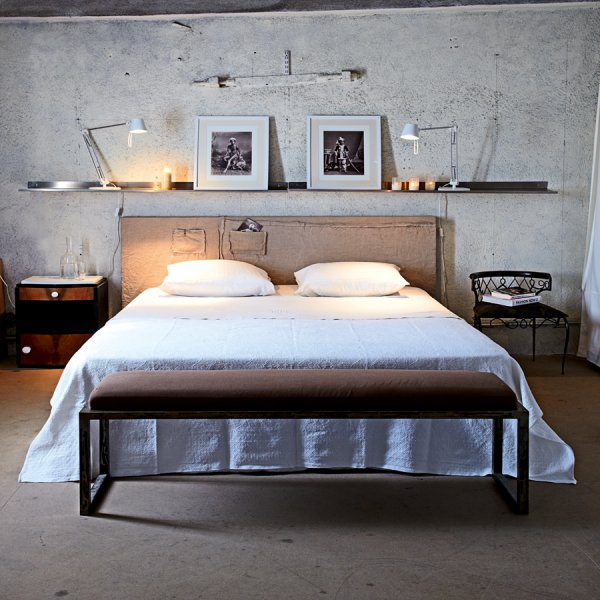 concrete+bedroom+wall.jpg