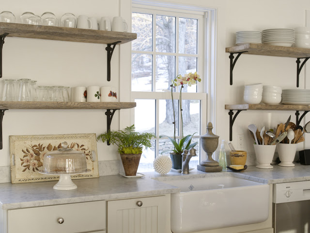 reclaimed+wood+shelving+in+kitchen+modern+rustic.jpg