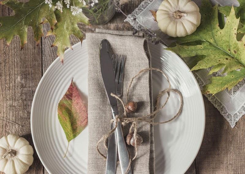 natural-Thanksgiving-table-setting.jpg
