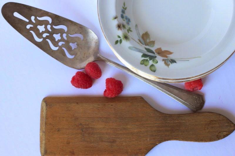 vintage-dinnerware.jpg