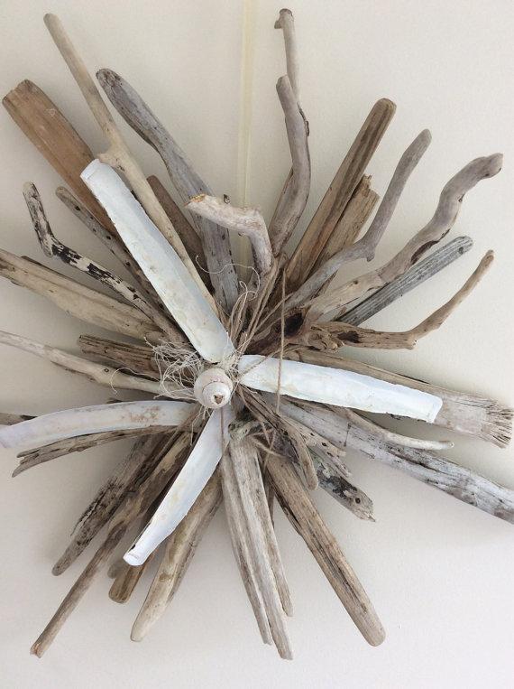 浮木和贝壳花环