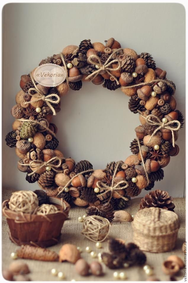 nut and cone Christmas wreath DIY
