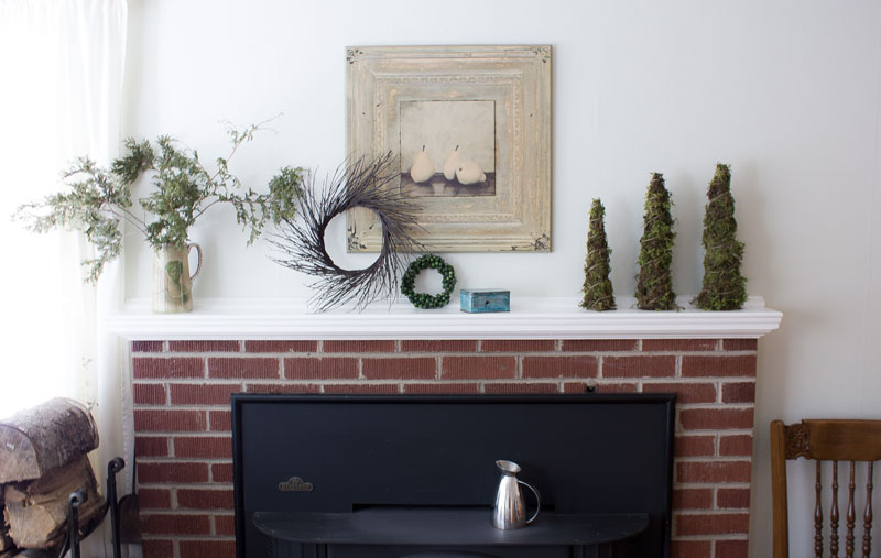simple, natural holiday mantel styling