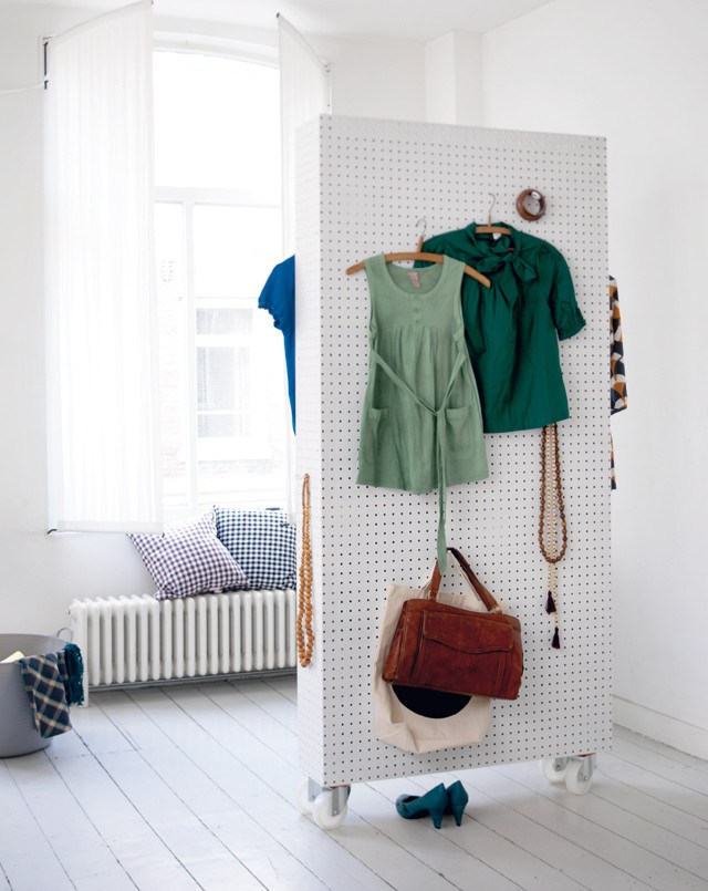 simplify your life - display outfit for next day on DIY clothes valet