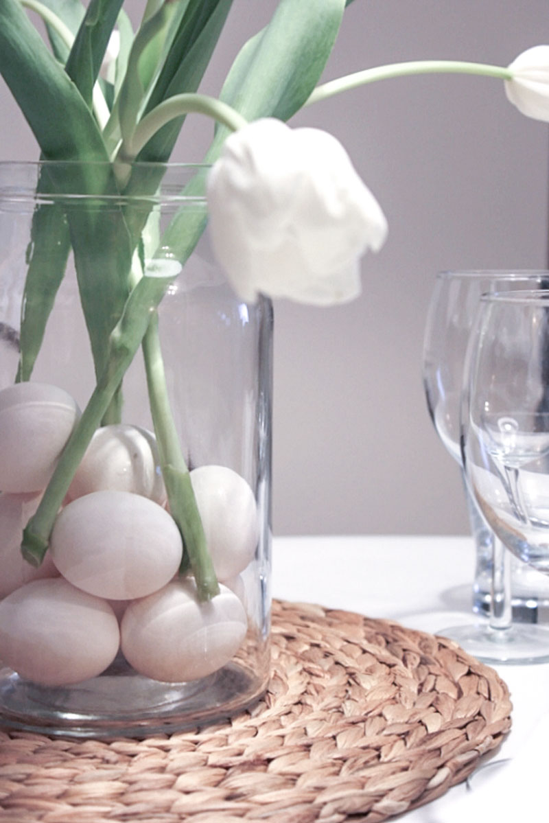 quick Easter table setting - jar with eggs and white tulips