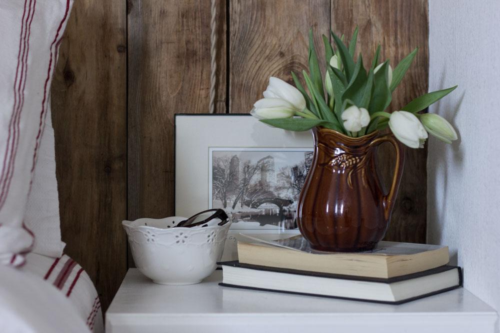 guest-bedroom-side-table-modern-rustic.jpg