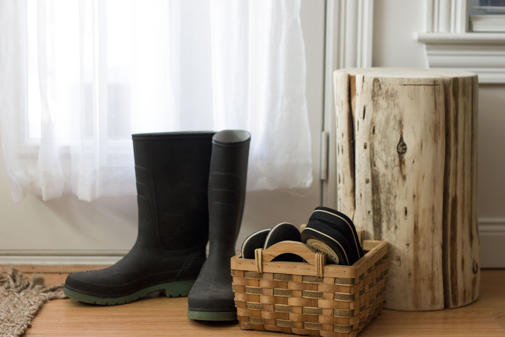 Stump-stool-and-boots.jpg