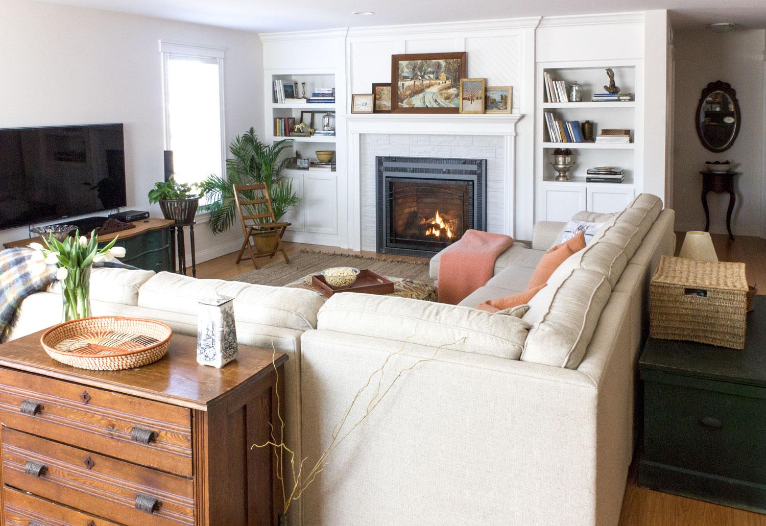 明亮的基础 - 家庭间 - 带壁炉.jpg