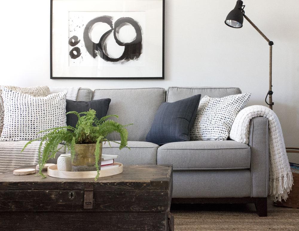 如何简化你的起居室