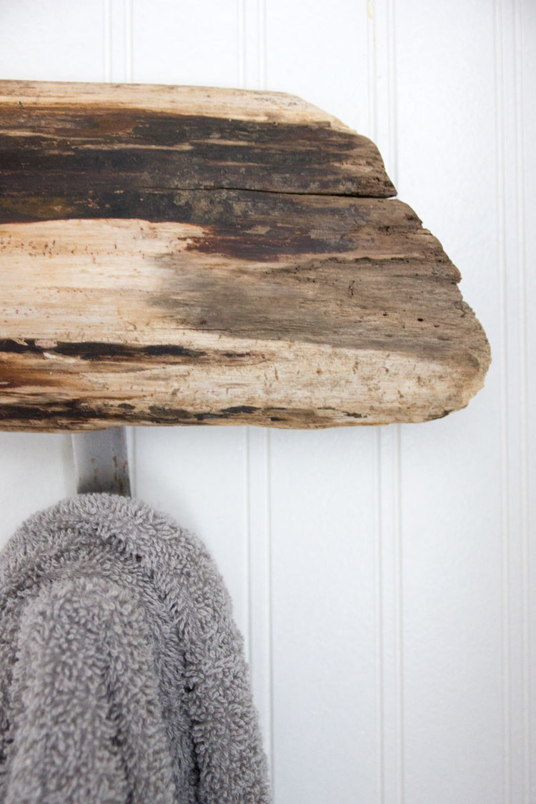 towel rack from driftwood