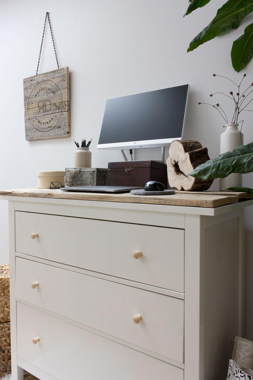 使用梳妆台作为DIY常设书桌