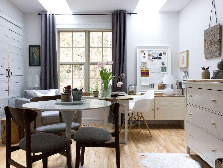 白色 - 现实生活 - 家庭办公室 -  Studio.jpg
