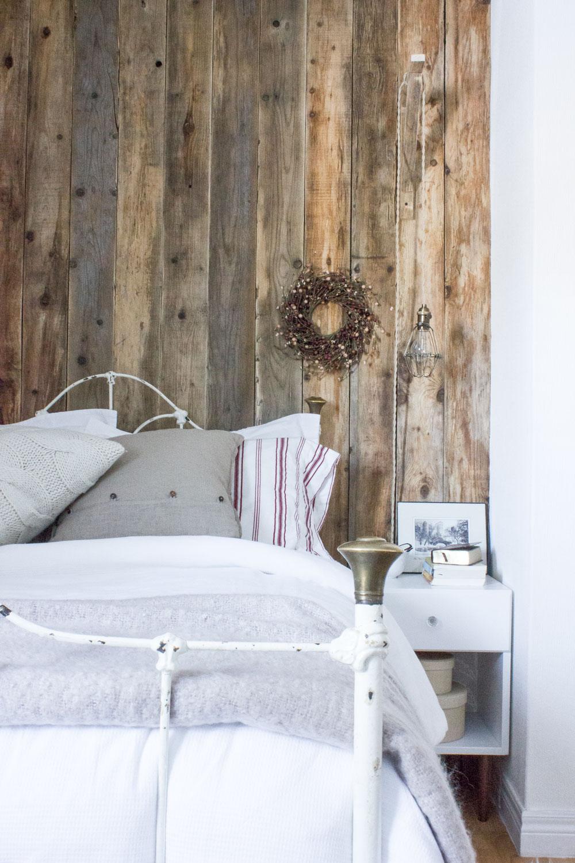更新设计-客房内回收的谷仓木墙