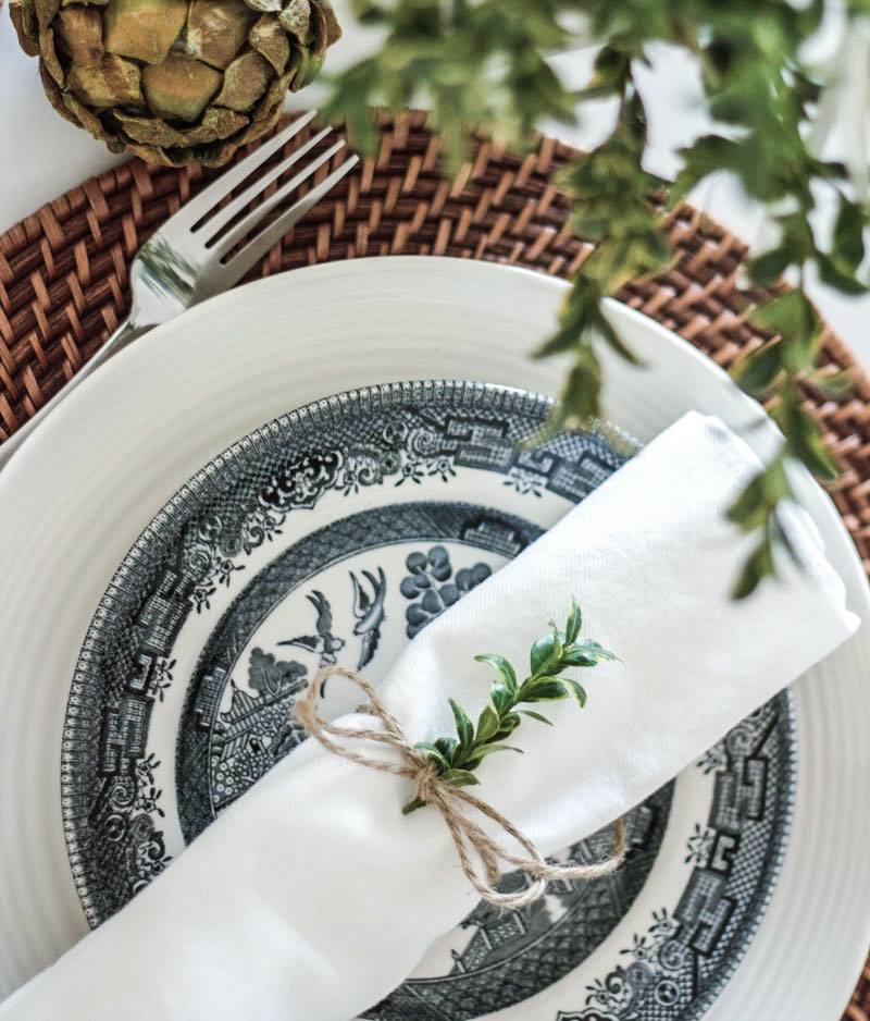 ideas for a simple, natural holiday table