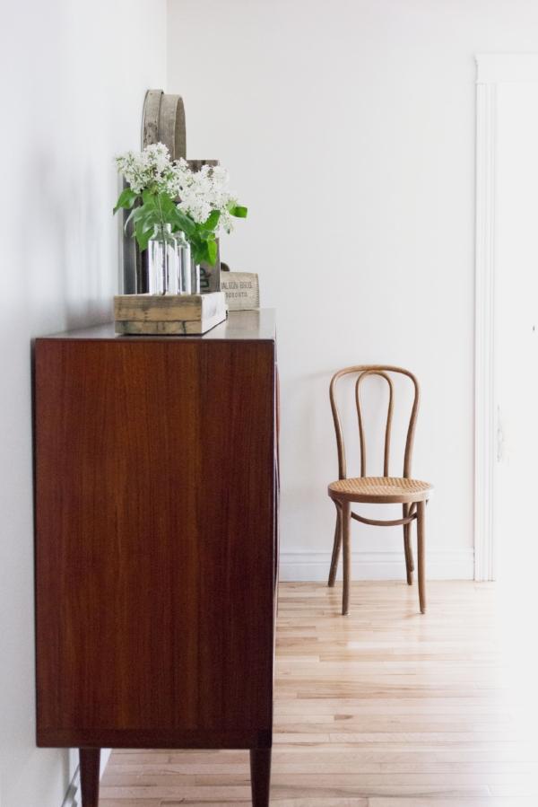 选择正确的白色的简单方法-我的走廊是SW纯白色,装饰是无接缝的白色