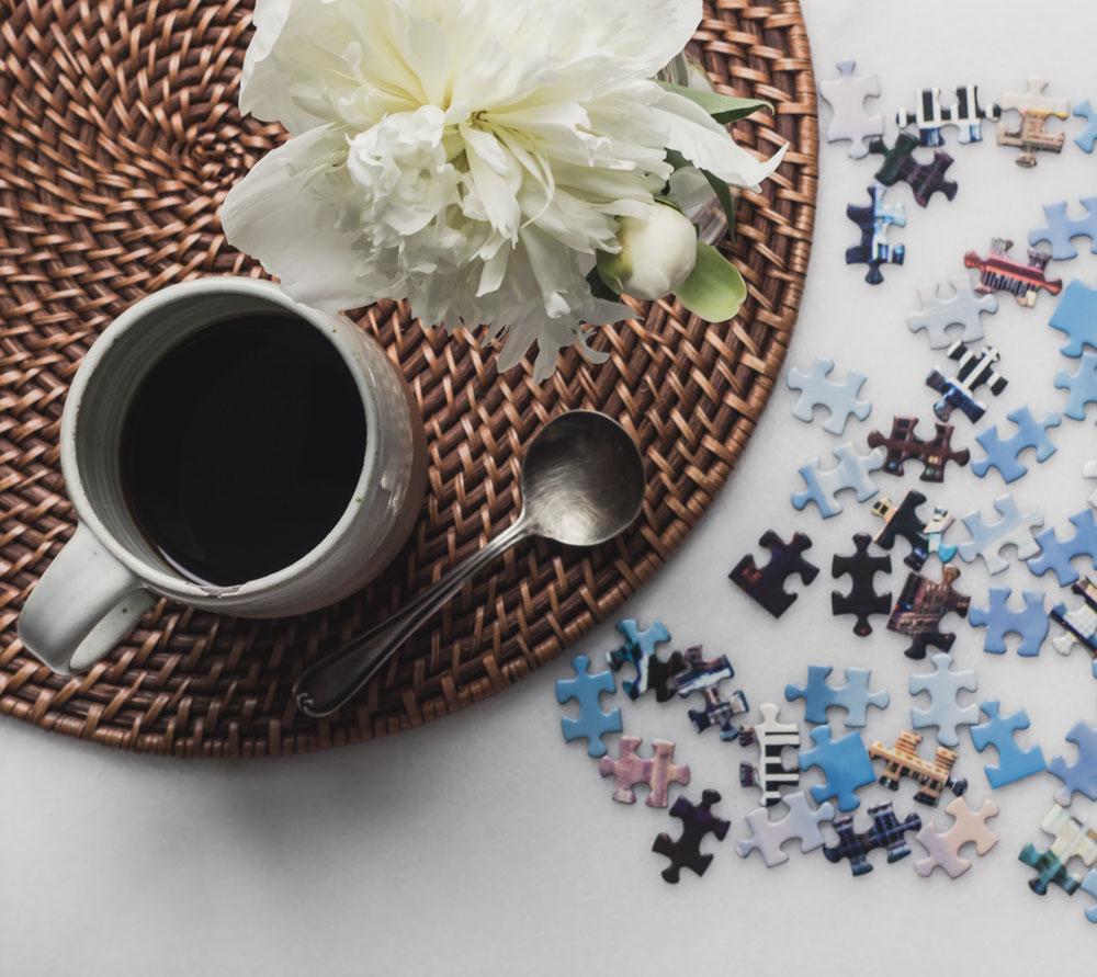 咖啡拼图和牡丹.jpg