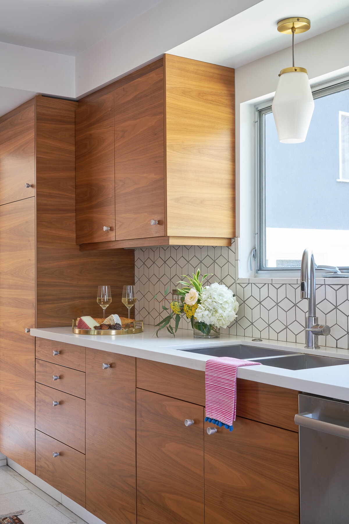 7 Easy And Inexpensive Upgrades To Your Kitchen